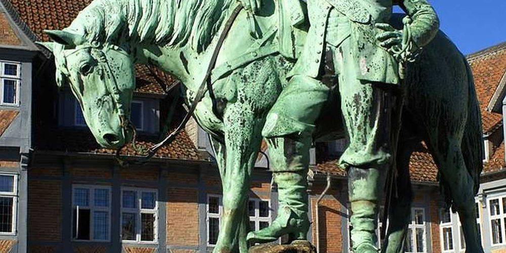 Herzog August Denkmal