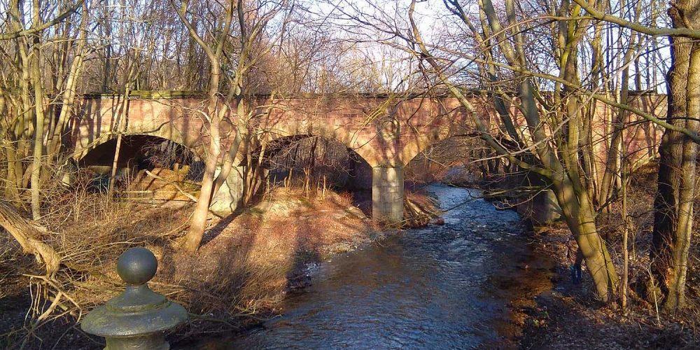 Die alte Eisenbahnbrücke