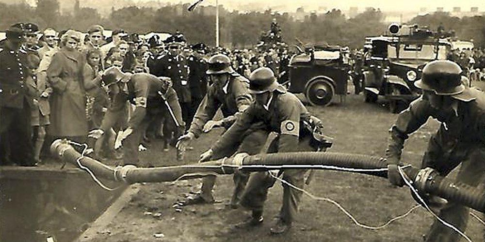 Feuerwehr Bezirkswettkampf in Goslar 1952