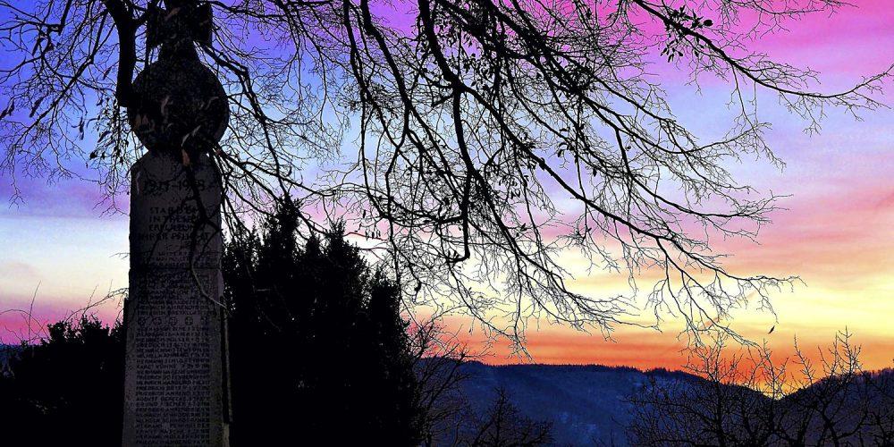 Stapelburg kurz nach dem Sonnenuntergang